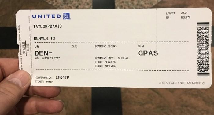 airport unaccompanied minor um security gate access pass dia