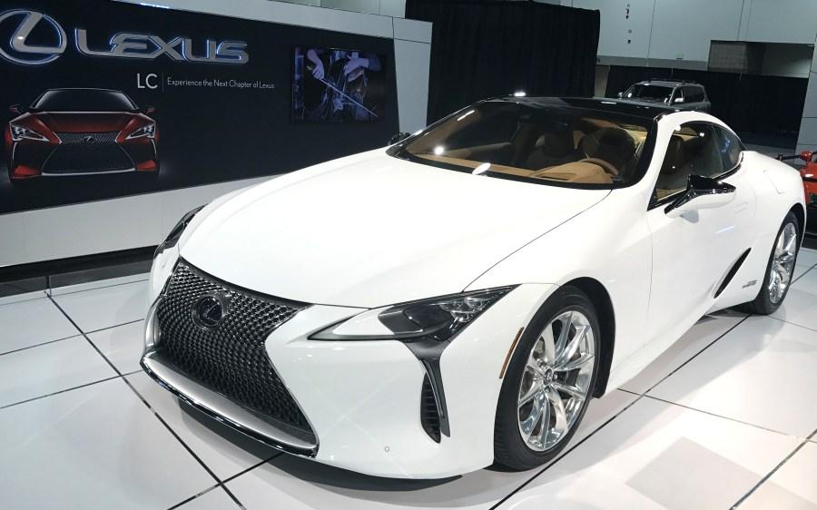 2017 lexus lc 500h hybrid