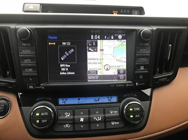 2017 toyota rav4 entertainment system