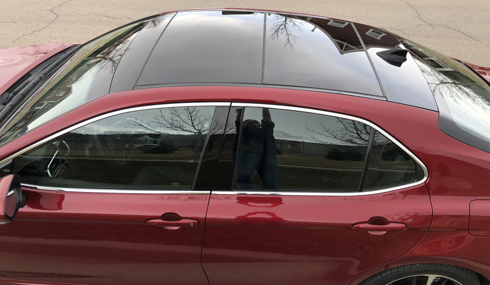 2018 toyota camry xse panoramic sunroof