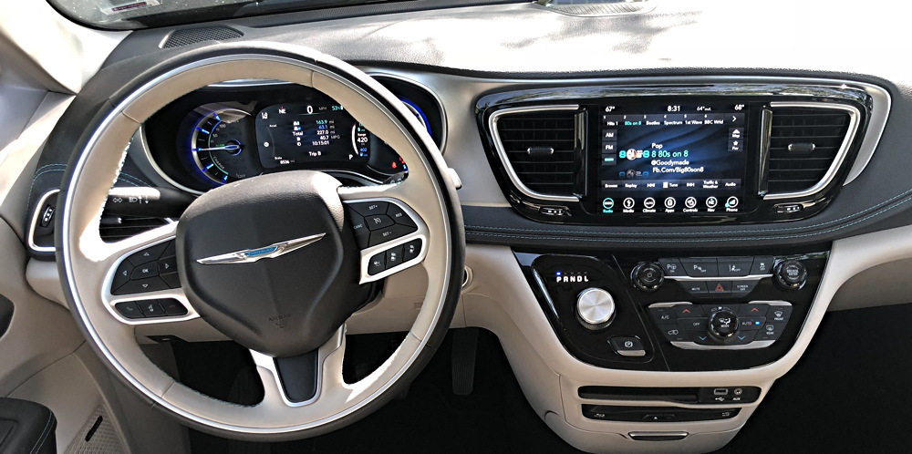 2018 chrysler pacifica front dashboard