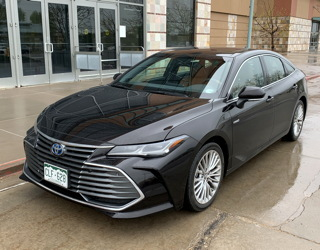 2019 toyota avalon hybrid road test review