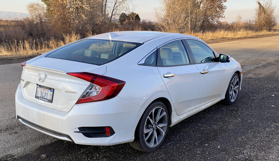 2019 honda civic touring  rear view