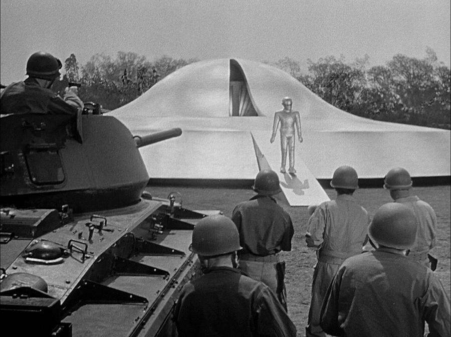 The Day The Earth Stood Still 1951 publicity still photo 1