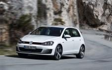 Volkswagen-Golf_GTI_2014_1280x960_wallpaper_0b