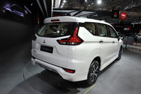 Mitsubishi-Xpander-at-GIIAS-2017-Live-right-rear-three-quarters-1024x681