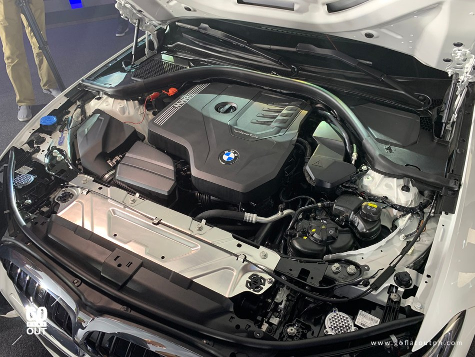 2019 BMW 330i M Sport Engine