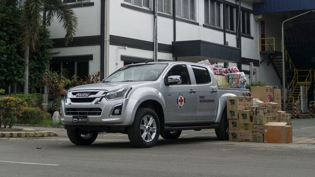 Isuzu PH Donates An Isuzu D-Max 4x4 To The Philippine Red Cross