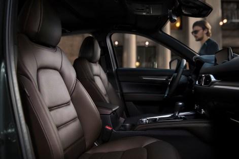 2020 Mazda CX-5 AWD Diesel Signature Interior