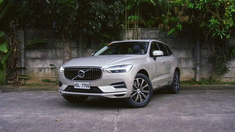 2020 Volvo XC60 T8 Inscription Plug-In Hybrid Review (With Video)