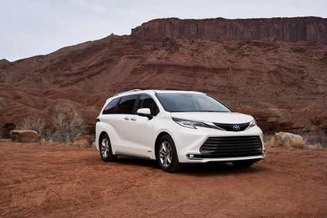 2021 Toyota Sienna XLE Exterior