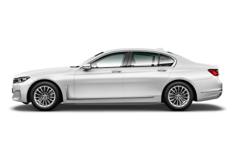 730i Pure Excellence (G11 LCI) - Side