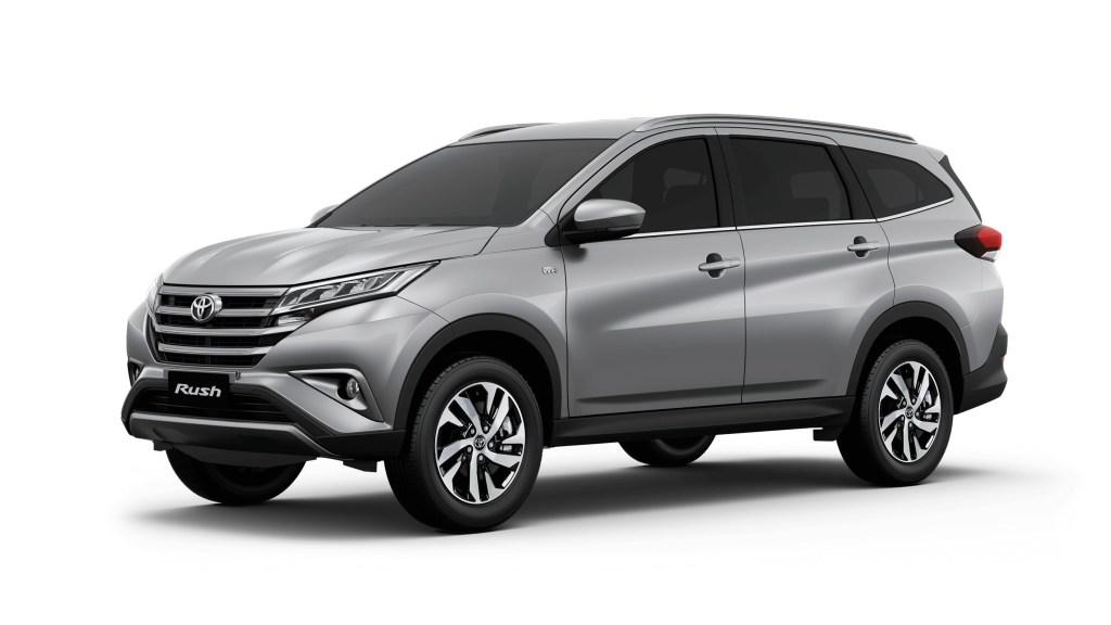 Toyota PH Adds 3rd Row Seats, Reverse Camera To Rush E Variant