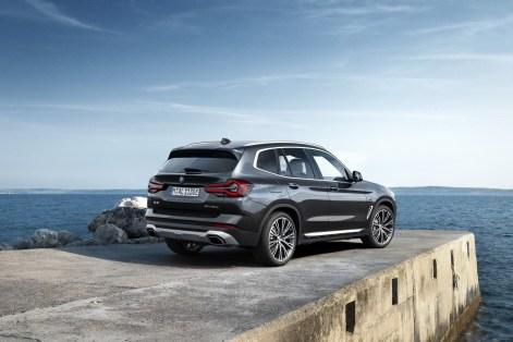 2022-BMW-X3-X4-31