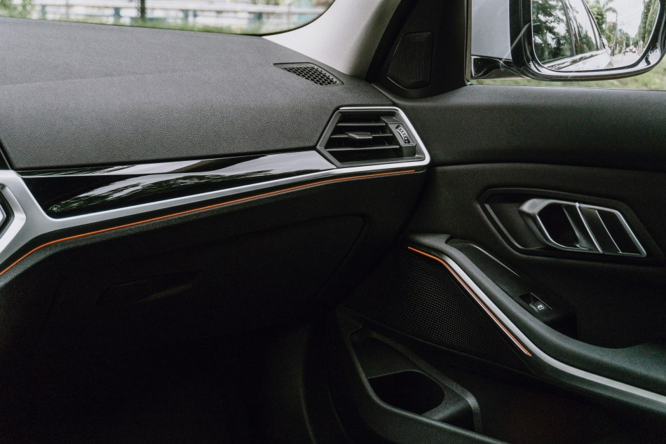 2021 BMW 318i Sport Philippines Interior
