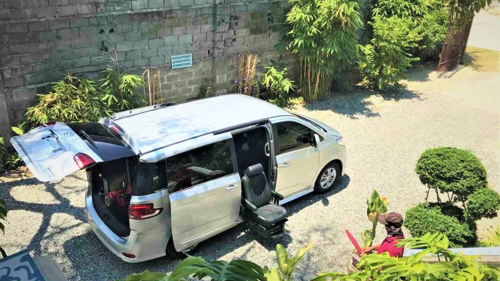 The Maxus G10 With Assist Package Makes Travelling Easy For Elders