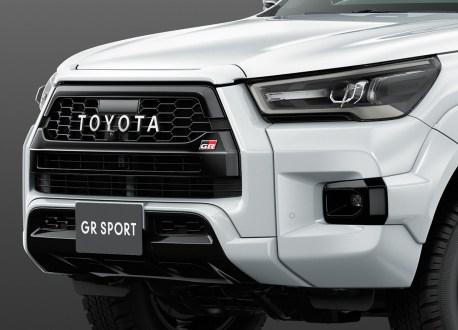 2022-Toyota-Hilux-Z-GR-Sport-Japan-8