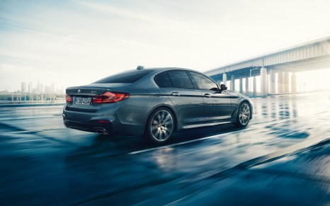 BMW-5series-sedan-imagesandvideos-1920x1200-02