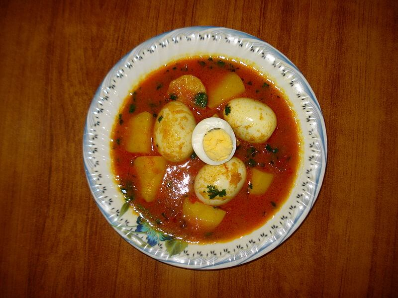 Egg Curry – Lightly Spiced Egg Curry With Potatoes