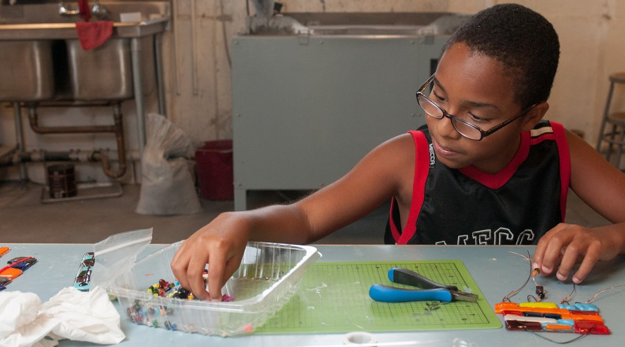 Kids_Making_Fused Glass