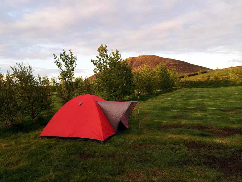 Zelt beim Camping in Island