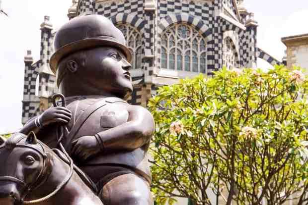 Plaza Botero mit Boteros Skulpturen