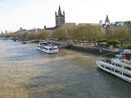 Colonia, navigazione sul Reno. Germania, Köln.