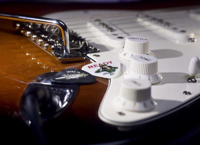 買不起高檔器材嗎?15招教你提升吉他音色的方法