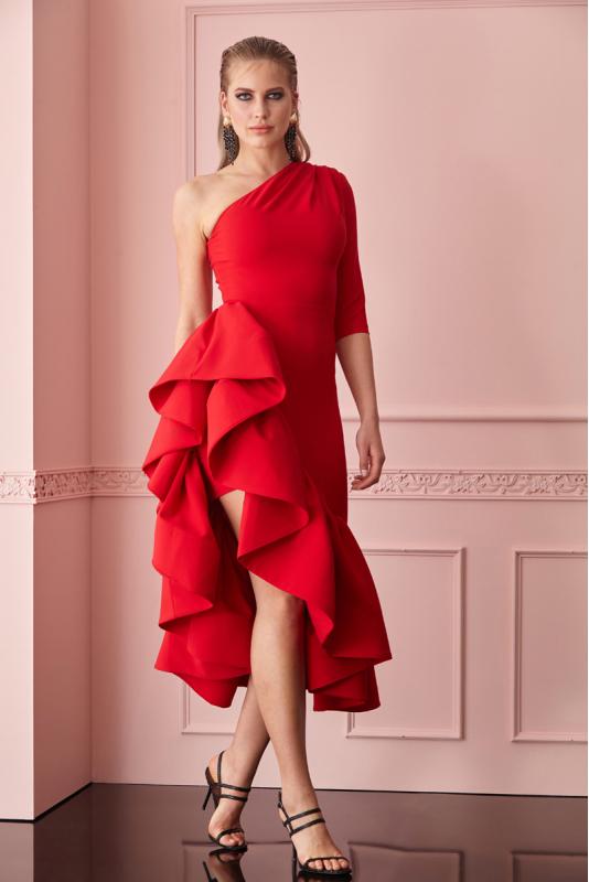 Bellissimo vestito rosso con balze laterali.