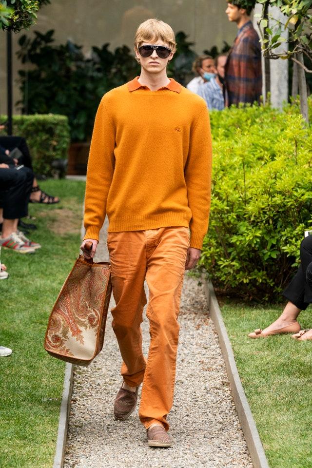 outfit colorato, per Etro