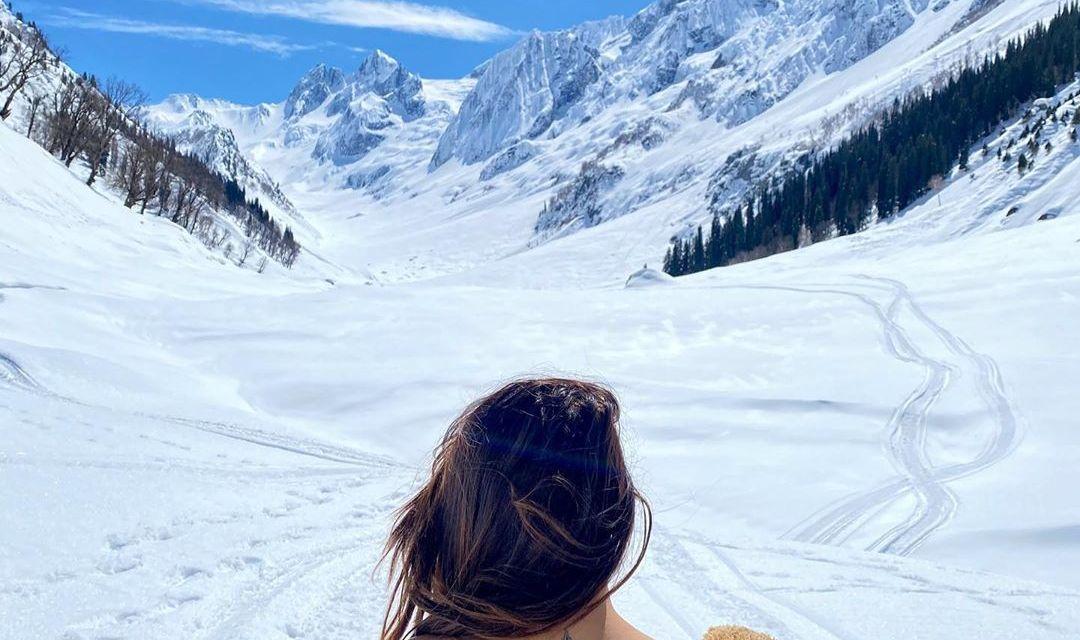 Thajiwas Glacier – @madcap_thetravelchick
