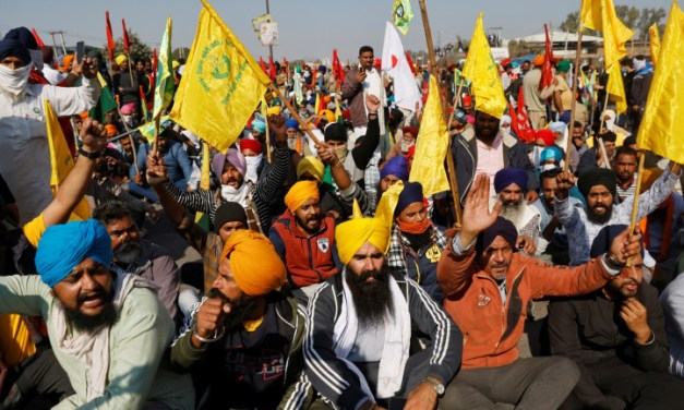 Disgruntled farmers refuse an offer of alternate protest site, insist on reaching the capital