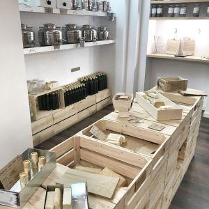 la boutique unpacked shop qui fait partie de la liste des boutiques pour faire les courses en vrac à madrid