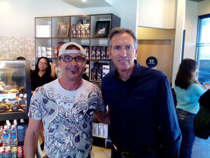 Starbucks-CEO-HowardSchultz+GoHireAVet-RicHembreeCarter-at-28thStreet-Starbucks-Oct-28-2015-800x600