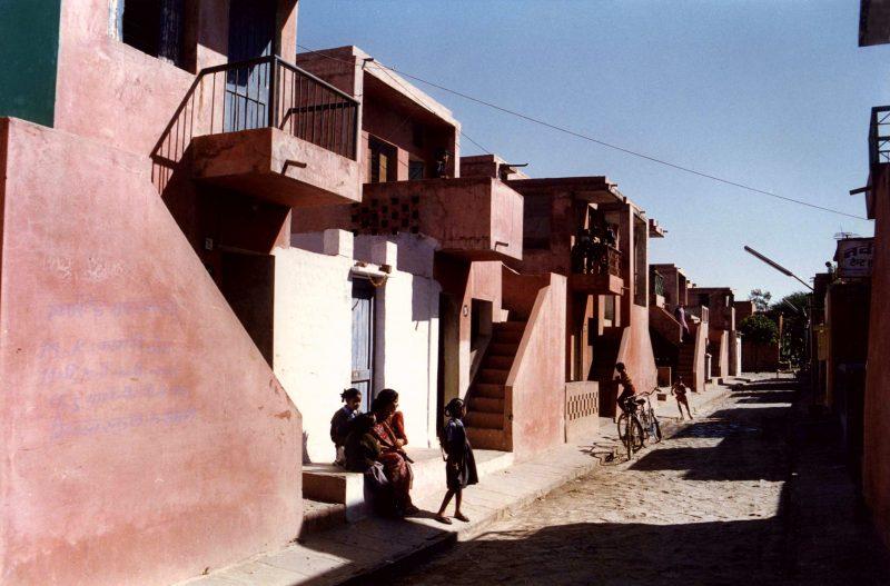 residências de baixo custo Aranya