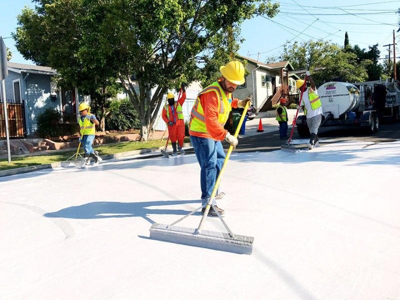 Pavimentação branca ajuda a diminuir a alta sensação térmica