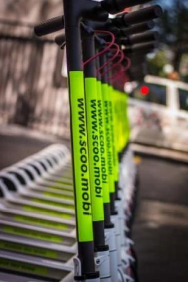 Patinetes elétricos da SCOO na Av. Paulista