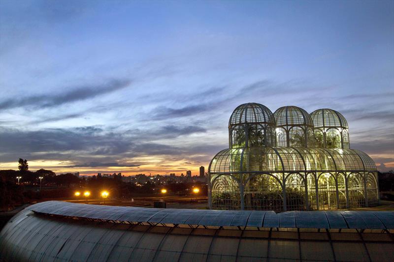 Jardim Botânico é um dos cartões-postais de Curitiba.
