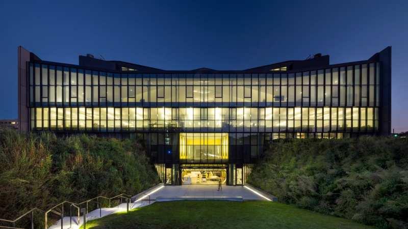 Daniels Building at One Spadina Crescent