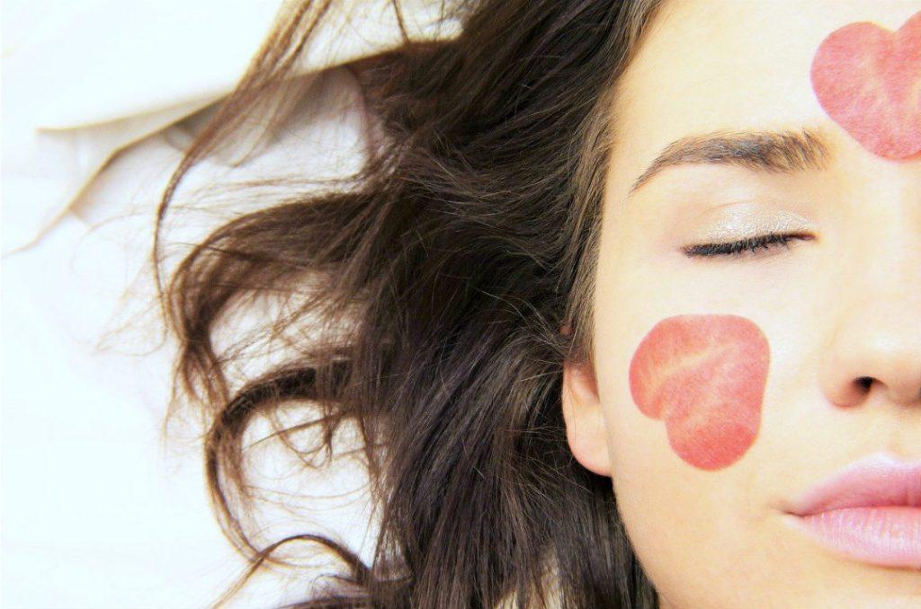 acido ialuronico puro pelle giovane