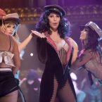 """Burlesque"" cu Cher si Christina Aguilera"