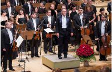 Dirijorul Cristian Mandeal la pupitrul Royal Philharmonic Orchestra din Londra
