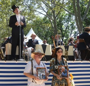 Gregory Moore pays tribute to New York Times Styles photographer Bill Cunningham during Jazz Age Lawn Party © Karen Rubin/goingplacesfarandnear.com