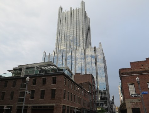 Old juxtaposed with new in Pittsburgh's downtown © 2016 Karen Rubin/goingplacesfarandnear.com