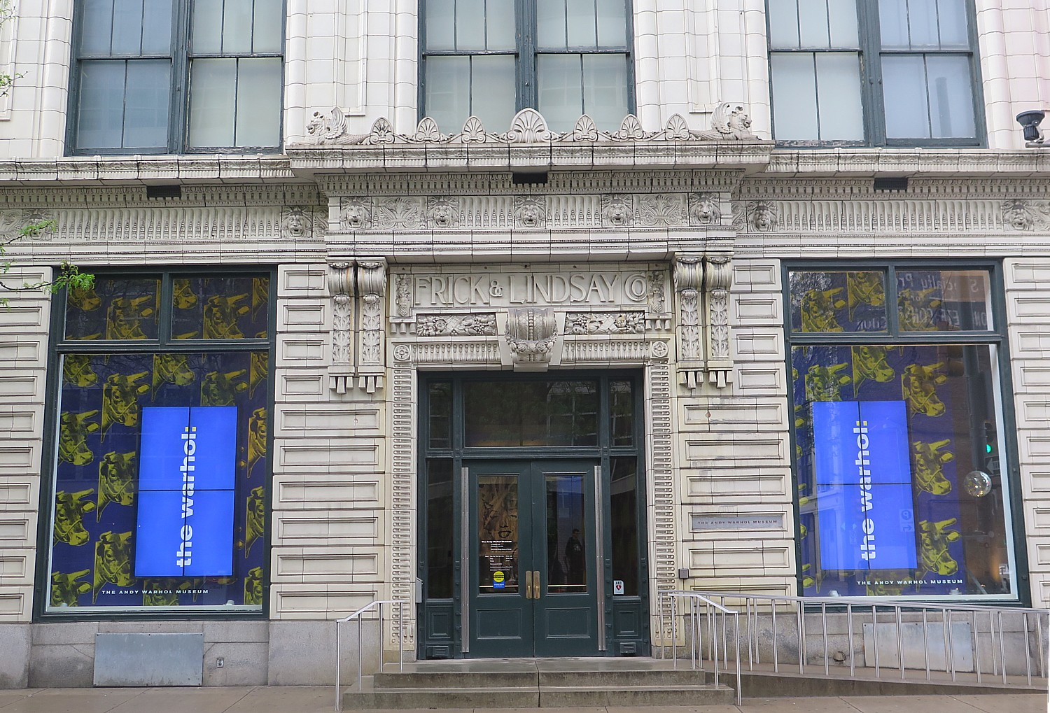 36 Hours in Pittsburgh: Andy Warhol Museum is at Center of ...