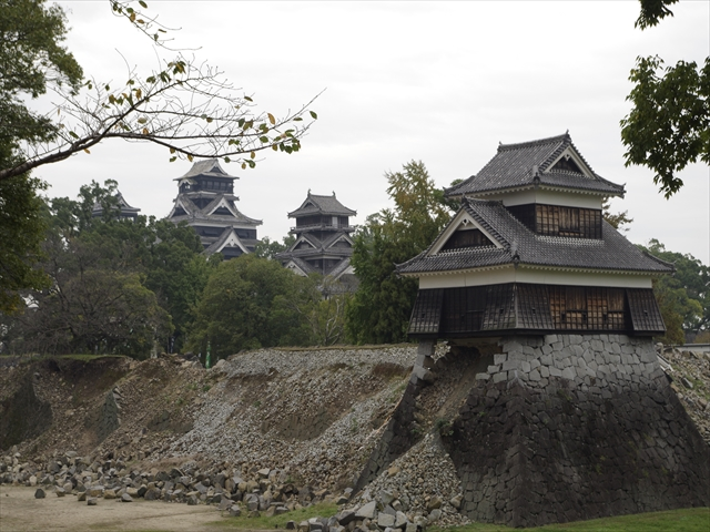 """One of the turrets """"Inui-maru"""", supported by narrow stack of stone blocks"""