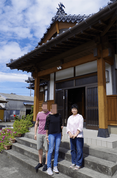 Meeting Hashizaki family in Traditional Japanese house