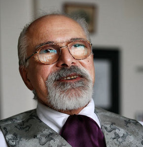 Prof. Dr. Emre Kongar