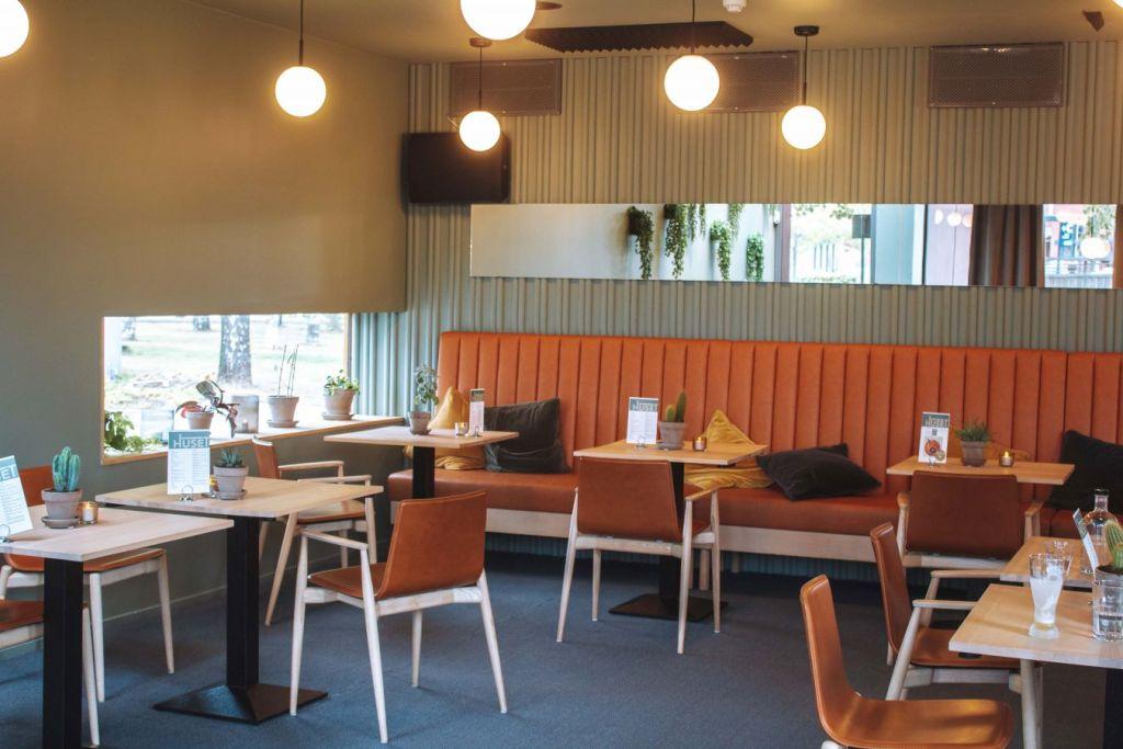 Småbord på restauranten Huset.
