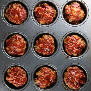 Barbecue-Meatloaf-Muffins-in-Pan